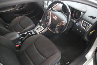 2012 Hyundai Elantra MD ELITE Sedan Image 4