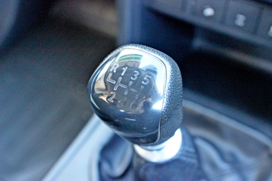 2015 Mazda BT-50 UR0YF1 XT Cab chassis - dual cab Image 17