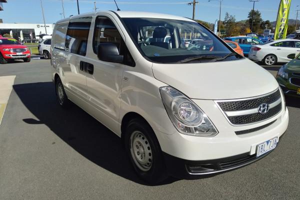 2013 MY14 Hyundai Iload TQ2-V MY14 Van Image 4