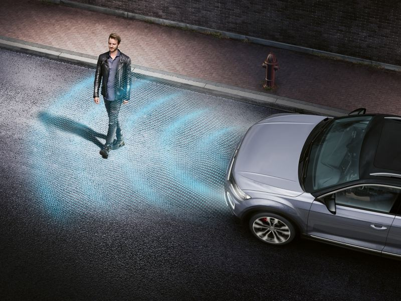 Protection from the unexpected Front Assist with Pedestrian Monitoring Image