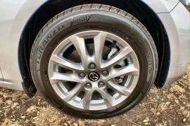2018 Mazda 3 BN5478 Neo Sedan Image 2