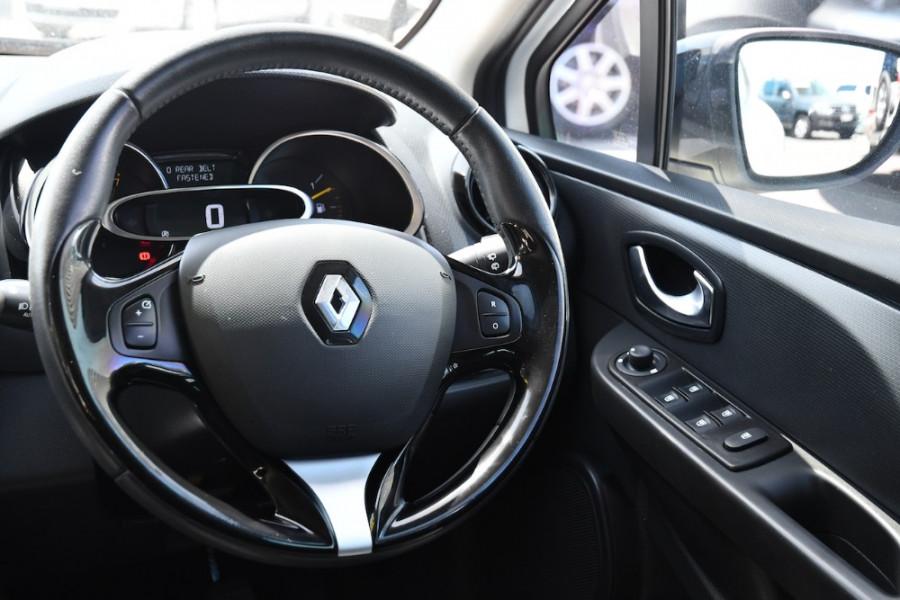 2015 Renault Clio IV B98 Expression Hatchback Image 9