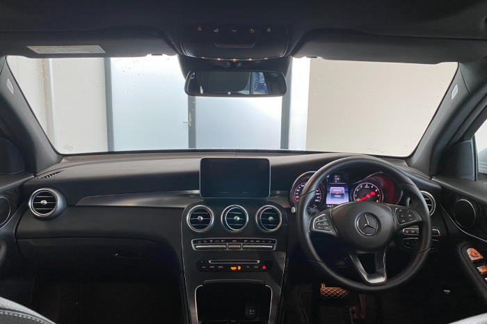2017 Mercedes-Benz C Class X253 808MY GLC250 Wagon Image 17