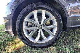 2018 MY19 Volkswagen Tiguan 5N Comfortline Suv Image 2