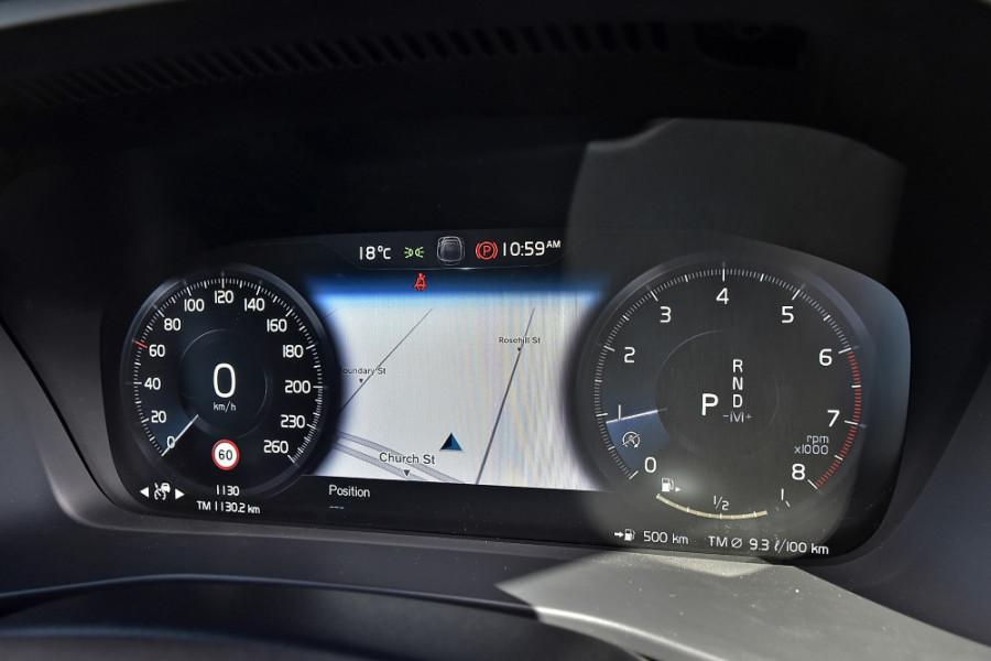 2019 Volvo XC40 XZ T4 Inscription Suv Mobile Image 12