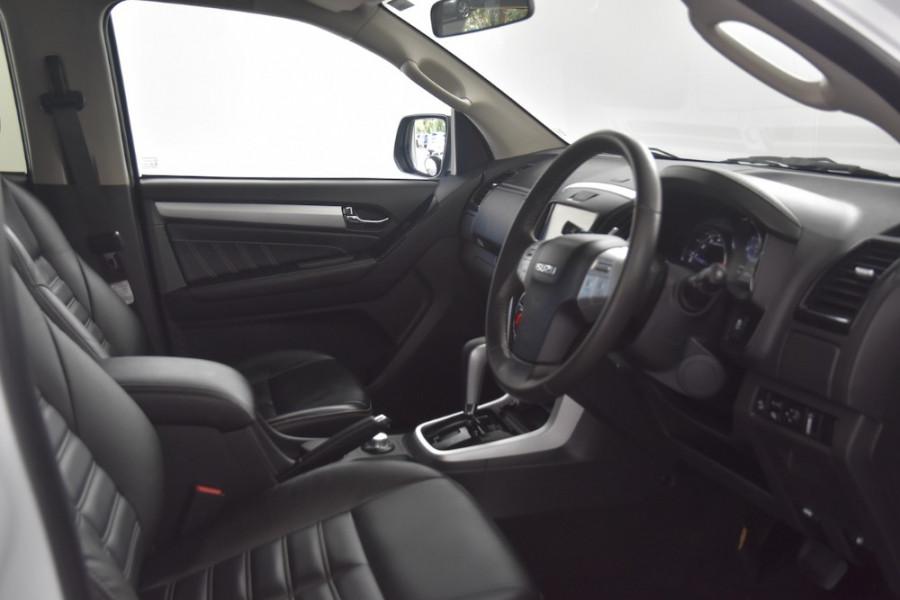 2017 Isuzu Ute MU-X MY17 LS-T Wagon Image 10