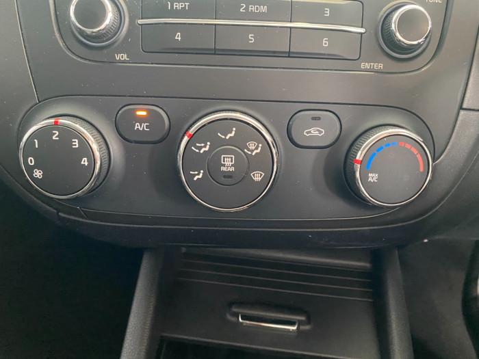 2015 Kia Cerato YD MY15 S Sedan Image 23