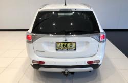 2014 Mitsubishi Outlander ZJ ES Awd wagon Image 5