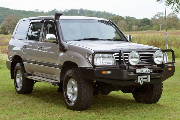 Toyota Landcruiser GXL HZJ105R