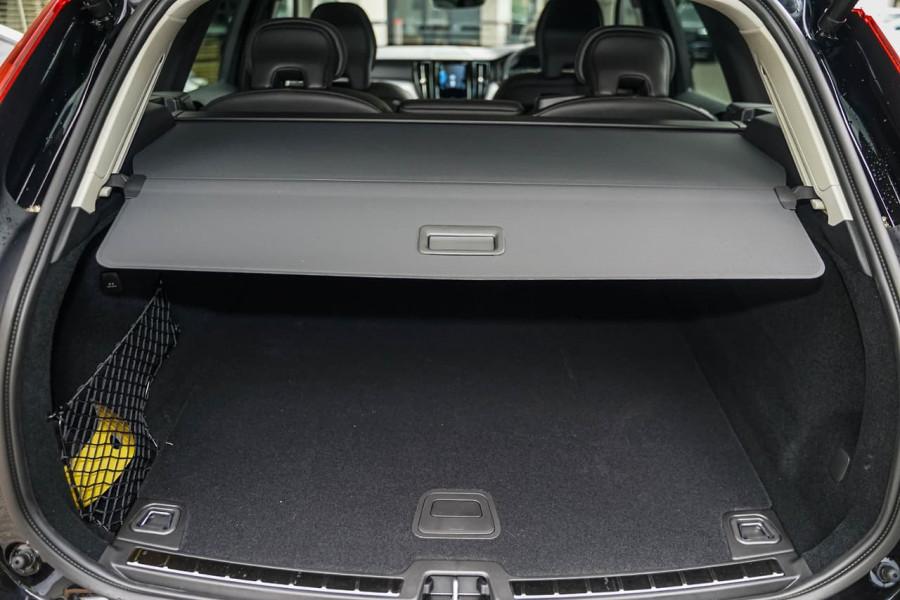 2020 MY21 Volvo XC60 UZ T5 Momentum Suv Image 9