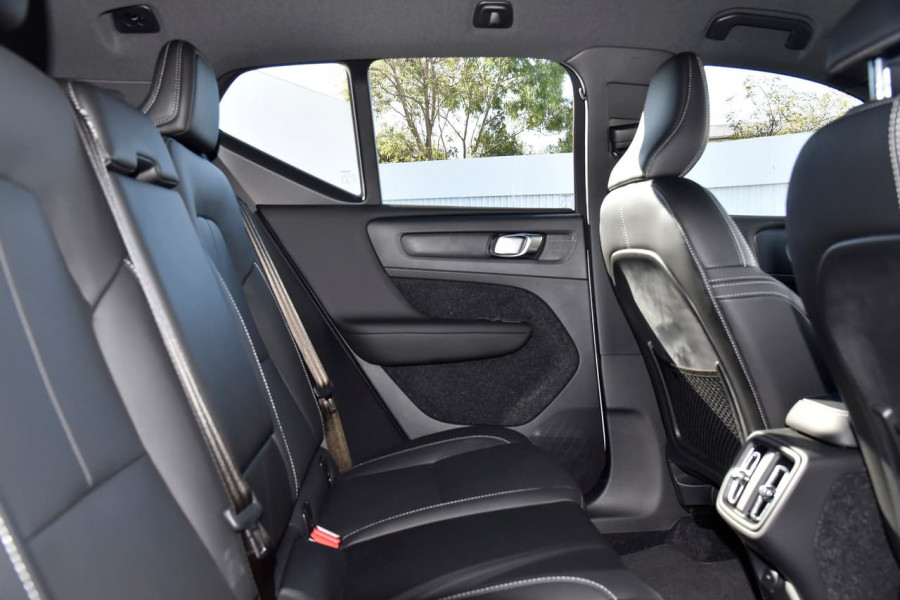 2020 Volvo XC40 XZ T5 R-Design Suv Image 10