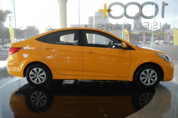 2015 MY16 Hyundai Accent RB3 MY16 Active Sedan Image 2