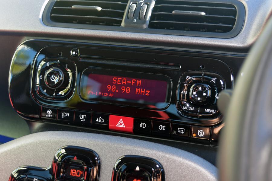 2013 Fiat Panda 150 Lounge Hatchback Mobile Image 13