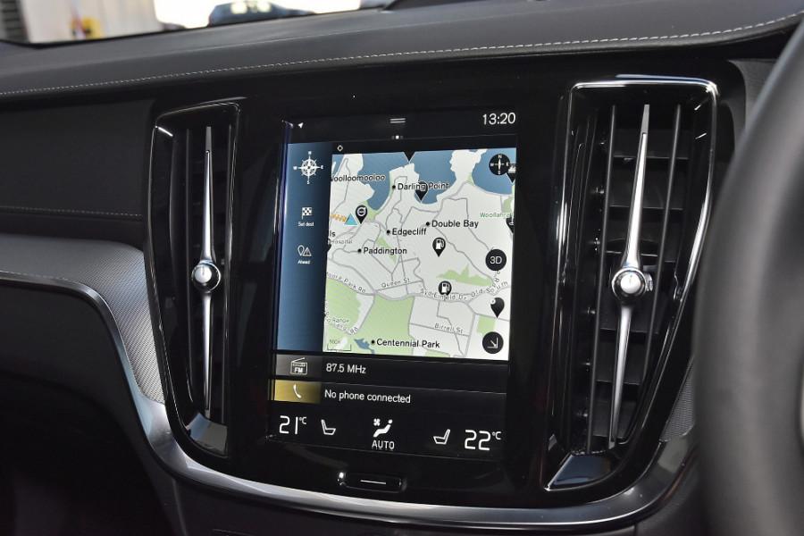 2020 Volvo V60 T5 R-Design T5 R-Design Wagon Mobile Image 12