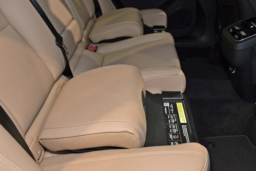 2019 Volvo XC60 UZ D4 Inscription Suv Mobile Image 22
