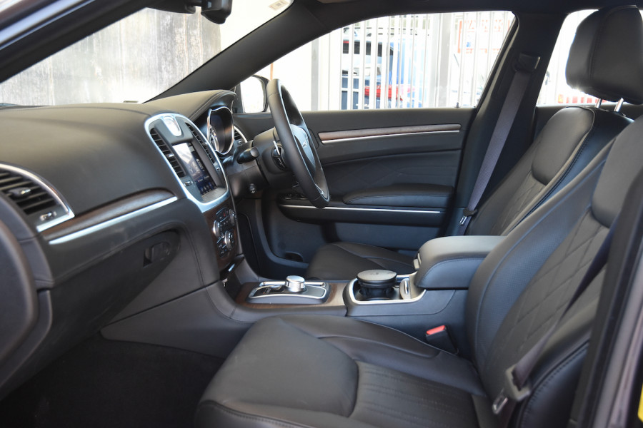 2019 Chrysler 300 LX C Luxury Sedan Image 6
