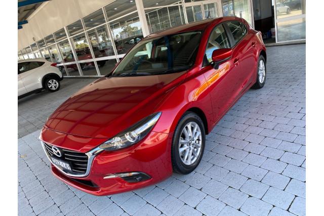 2017 Mazda Mazda3 BN5478 Maxx Hatchback