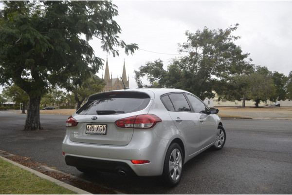 2017 MY18 Kia Cerato YD S Hatchback Image 5
