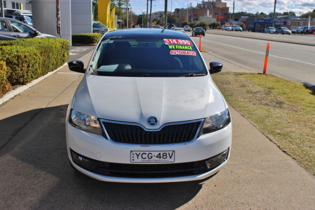 2014 MY15 Skoda Rapid NH Ambition Hatchback Image 3