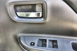 2017 Mitsubishi Triton MQ MY17 GLX+ Dual cab Image 4