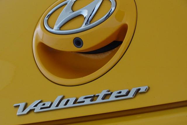 2012 Hyundai Veloster Veloster + 8 of 28