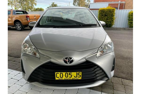 2017 Toyota Yaris Ascent Hatchback Image 3