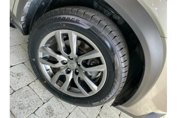 2014 Lexus NX NX300h - Luxury Suv Image 5
