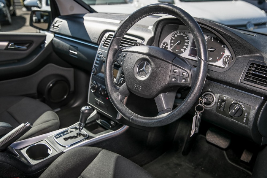 2011 Mercedes-Benz B180