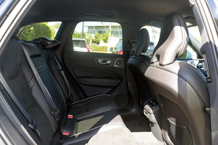 2019 Volvo XC60 UZ D5 R-Design Suv Mobile Image 7
