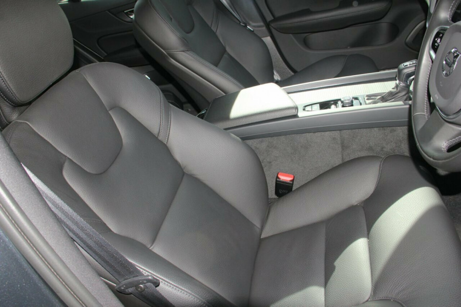2019 MY20 Volvo S60 Z Series T5 Momentum Sedan Image 10