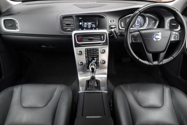 2014 Volvo S60 F Series  D4 D4 - Kinetic Sedan Image 5