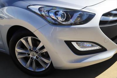 2013 Hyundai I30 GD SE Hatchback Image 2