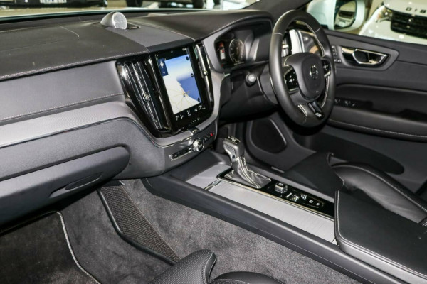 2019 Volvo XC60 UZ MY19 T6 AWD R-Design Suv Image 3