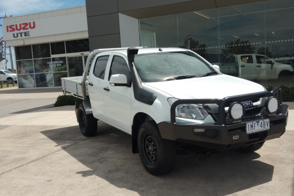 2018 MY17 Isuzu Ute D-MAX MY17 SX Cab chassis Mobile Image 1