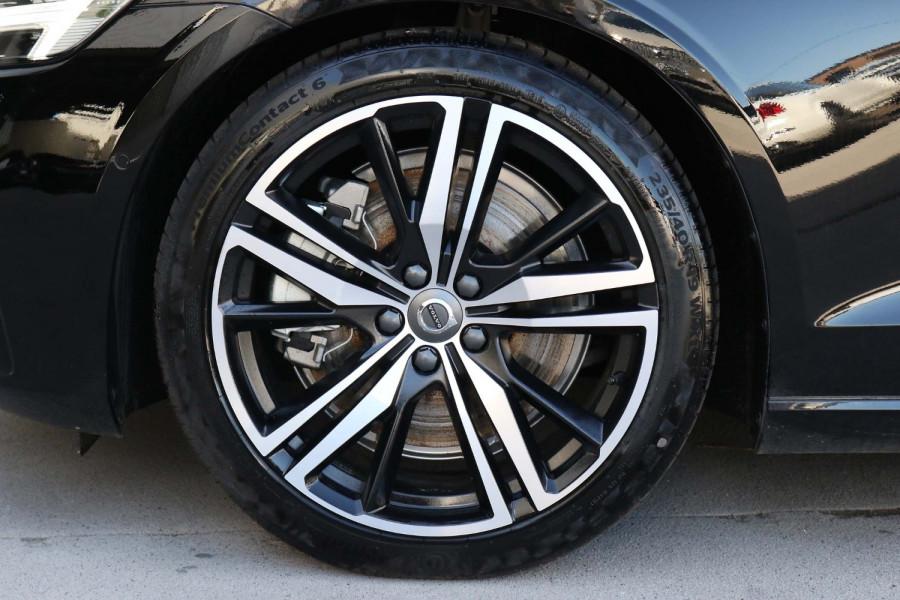 2020 Volvo S60 Z Series T5 R-Design Sedan Image 19