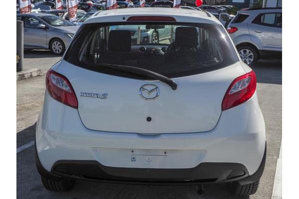 2011 Mazda 2 DE Series 2 MY12 Neo Hatchback Image 2