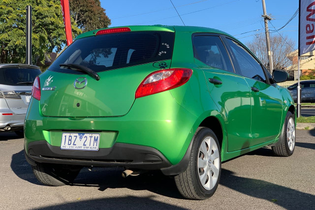 2010 Mazda 2 Neo 9 of 22