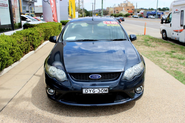2010 Ford Falcon FG XR6 Utility - extended cab Image 3