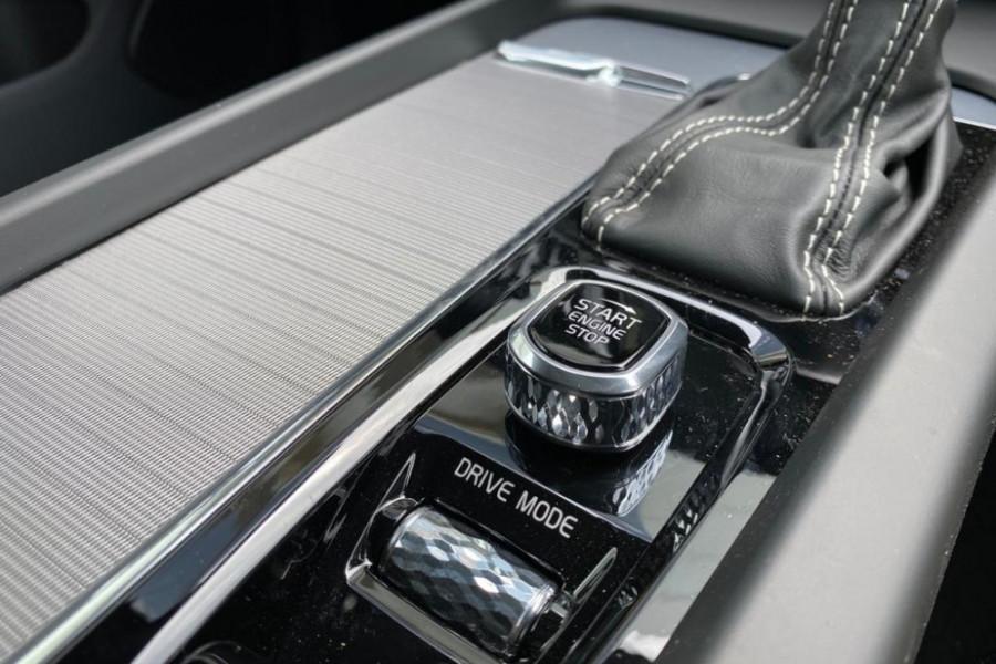 2020 Volvo XC60 UZ T6 R-Design Suv Mobile Image 19