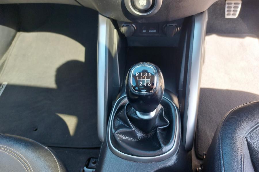 2012 Hyundai Veloster FS2 + Hatchback Image 15