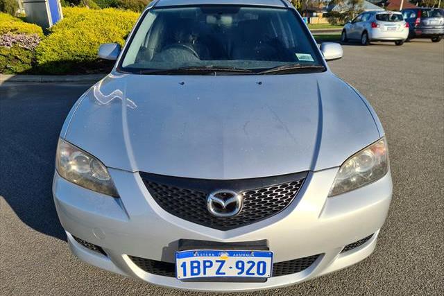 2004 Mazda Mazda3 BK10F1 Maxx Hatchback Image 2