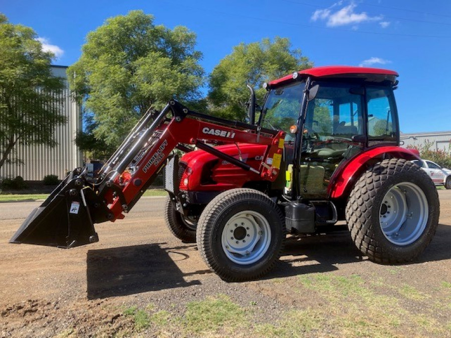 2019 Case IH FARMALL 60B Tractor crawler Image 1