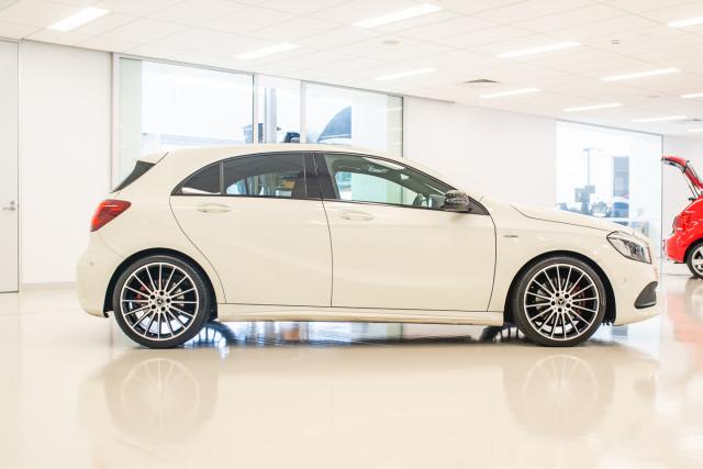 2017 MY08 Mercedes-Benz A-class Hatchback Image 3
