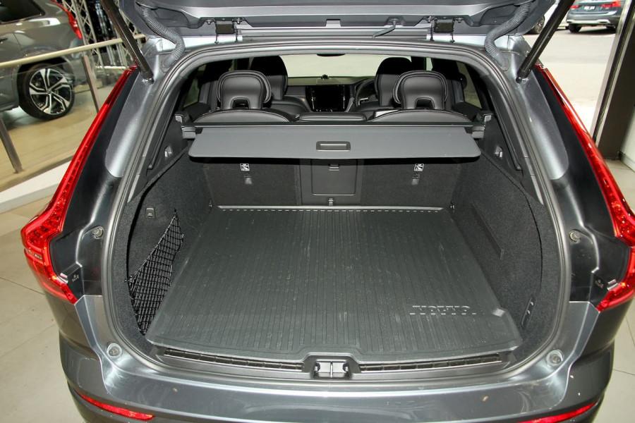 2019 MY20 Volvo XC60 UZ D5 R-Design Suv Image 8