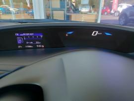2015 Honda Civic 9th Gen Series II VTi-S Hatchback image 17