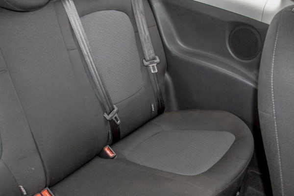 2012 MY12.5 Hyundai i20 PB MY12.5 Active Hatchback Image 5