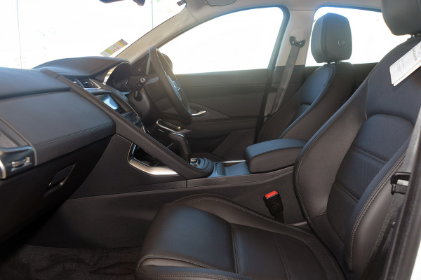 2019 Jaguar E-PACE X540 SE Suv Image 3