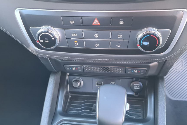 2020 SsangYong Musso Ultimate 23 of 36