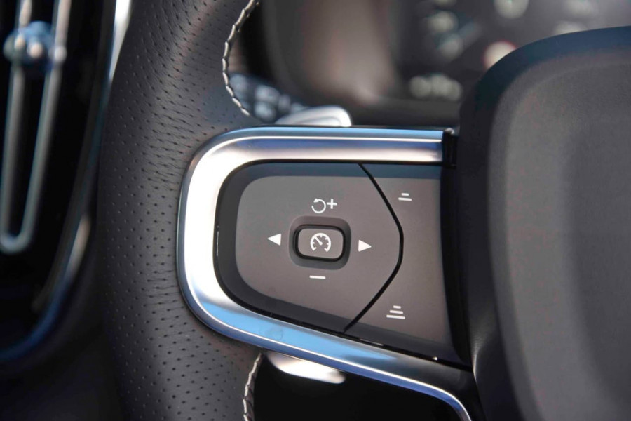2019 [SOLD]    Mobile Image 18