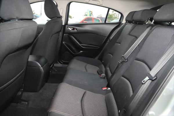 2015 Mazda 3 BM Series SP25 Hatchback image 9